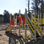 Klimaty Bałtyku plac zabaw na zamkniętym osiedlu w Dziwnowie